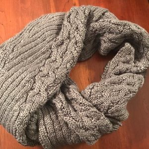 Anthropologie Chunky cable knit scarf